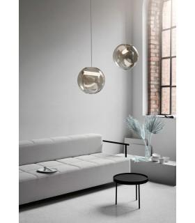 Złota lampa biurkowa – Bloomingville